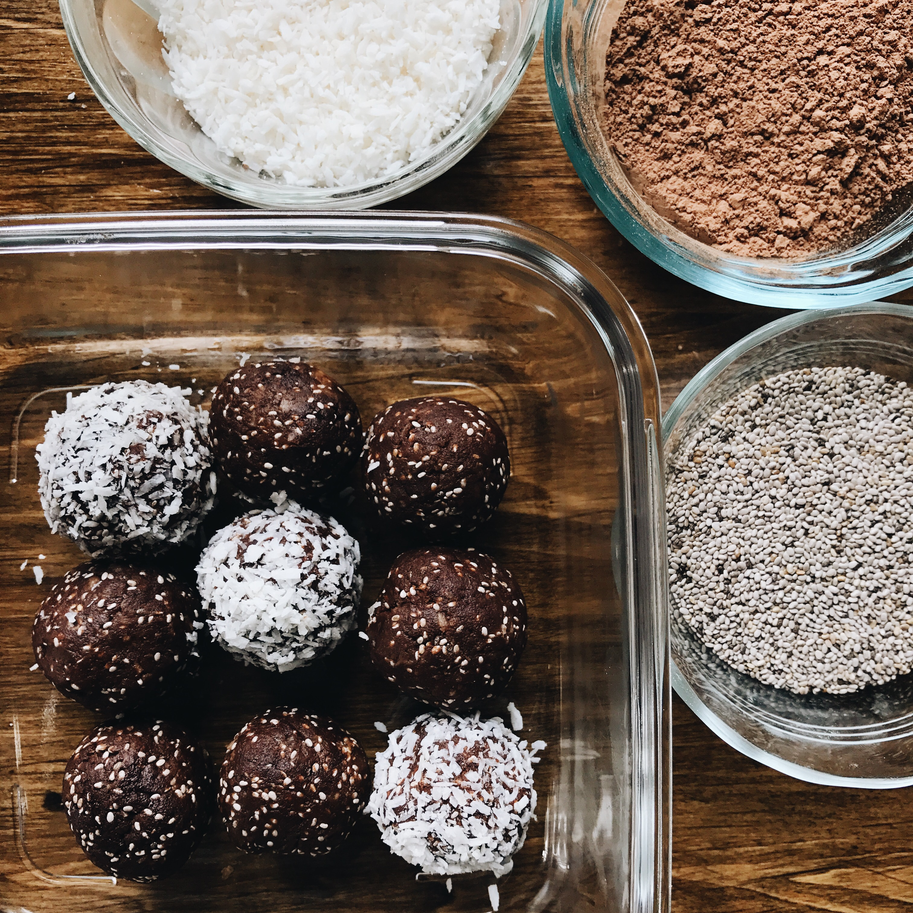 Chocolate Chia & Cashew Protein Bites